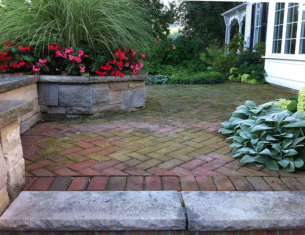 An inviting patio. (Garden Making photo)